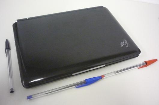 eeePC e caneta BIC