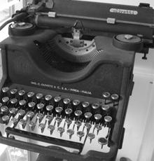 [Máquina de escrever, via Flickr]