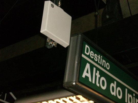 Olha a antena na estação!